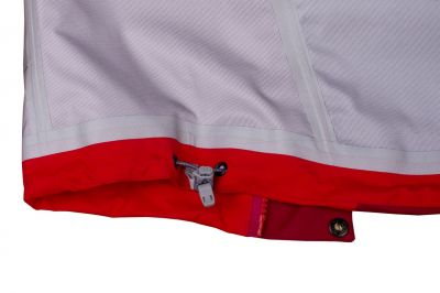 Protector 5.0 Jacket Red_Red Dahliathe bottom edge