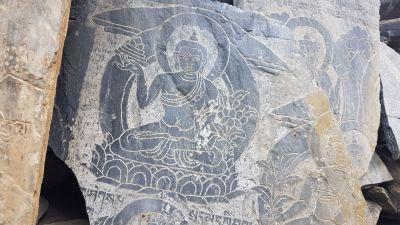 4c) modlitební zídky - buddha