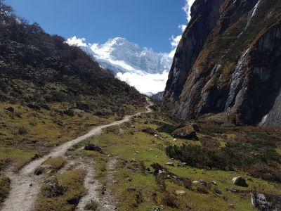 7b) údolí k manaslu