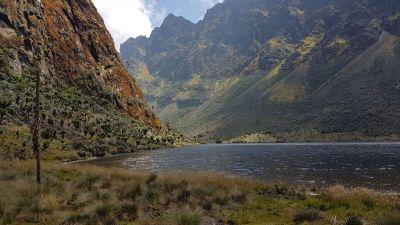 14 jezero bujuku 3962 m
